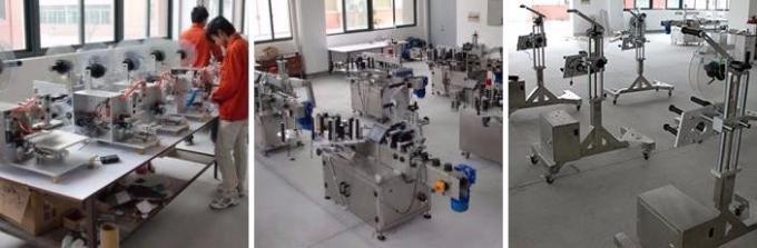 Stroj na značení malých plastových lahví HIGGE, stroj na štítky na lahve s penicilinem