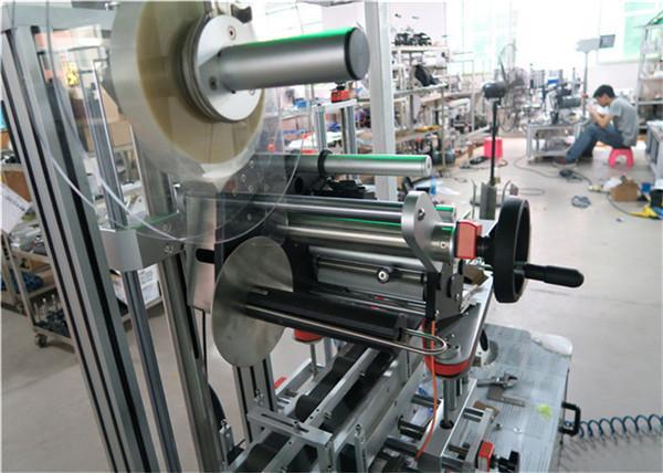 Automatický topný etiketovací stroj s plochým povrchem, aplikátor etiket s dopravníkem / horním etiketovacím zařízením