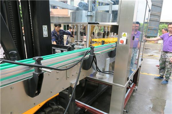 Efektivní lahvová rotační samolepicí etiketovací zařízení PLC dotyková obrazovka
