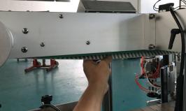 Automatický etiketovací stroj na štítky na oboustranné štítky na stojany na sáčky