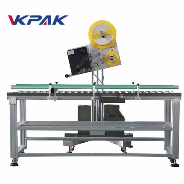 Aplikátor průmyslových štítků s automatickou obálkou pro výrobu papírové krabice v malém měřítku