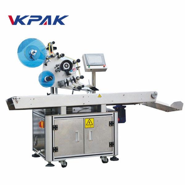 Stroj na nanášení štítků na plochý povrch s plochým povrchem