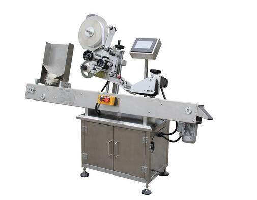 Stroj na označování štítků s vodorovnou kuličkovou tužkou