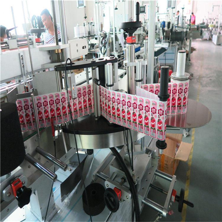 Aplikátor etiket na samolepky na přední zadní stranu a obal kolem lahve se štítkem