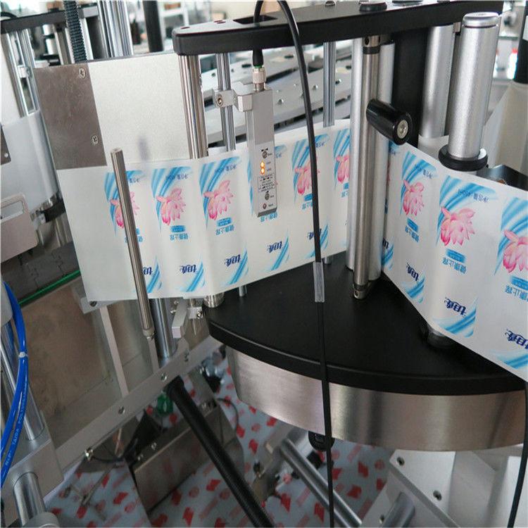 Automatický etiketovací stroj na kulaté lahve s šestihrannou jednostrannou / oboustrannou značkou