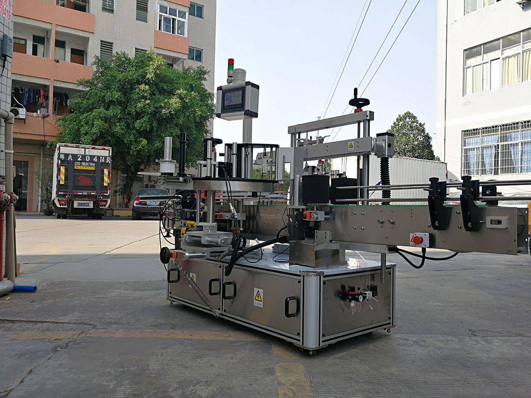 Vysokorychlostní automatický stroj na nanášení štítků se třemi bočními čtvercovými lahvemi