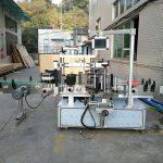 Automatický štítkovací stroj na značení plochých lahví integrovaný vpředu a vzadu