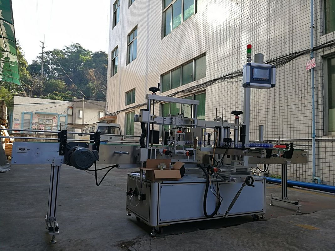 Lepicí stroj na označování plochých lahví s vysokou přesností
